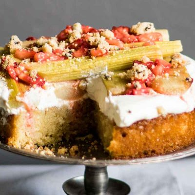 Rabarberu - mandeļu kūka